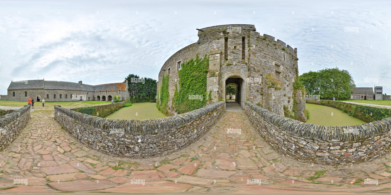 A la place de l'ancien pont-levis du château de Pirou  -  France - Stock Image