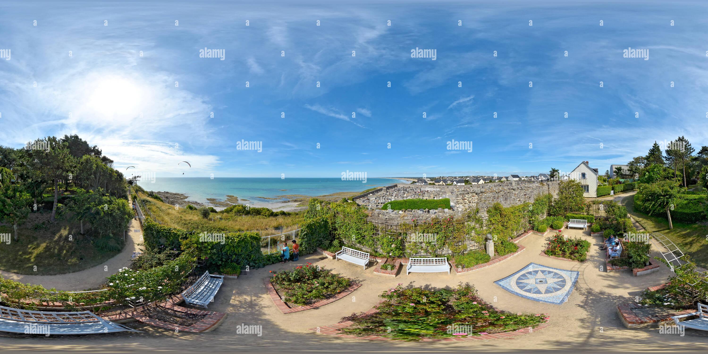 360 View of Roseraie du jardin Christian Dior à Granville - France 219449497 - Alamy