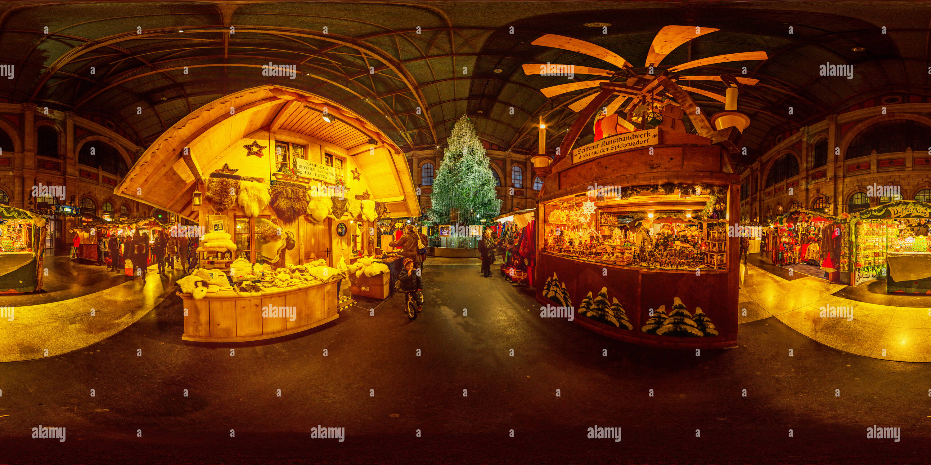 Christmas Market at the Main Station in Zurich - Stock Image