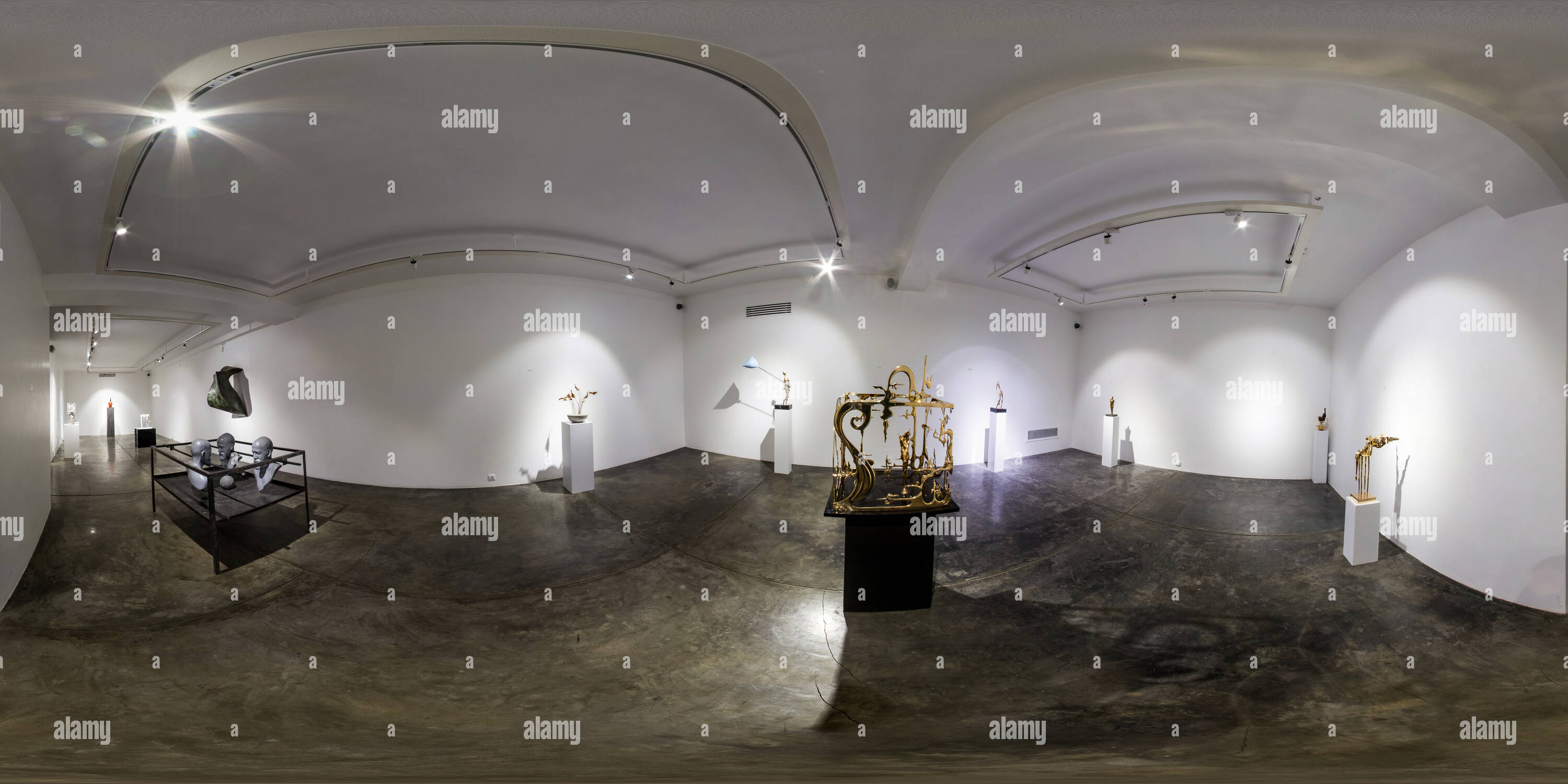 Shirin Art Gallery Jan 2018 Group Sculpture Exhibition Unexpected Room 03 - Stock Image