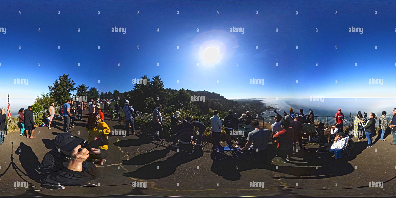 Vista panorámica en 360 grados de Great American Eclipse Solar - Cabo Foulweather - Oregon Coast - El 21 de agosto de 2017