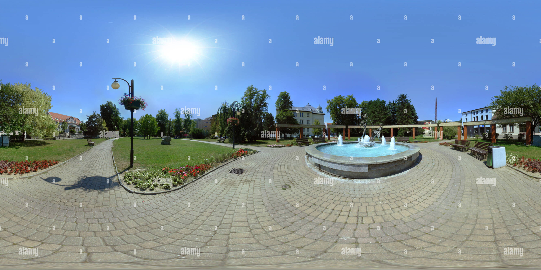 Vista panorámica en 360 grados de Žilina - Triste SNP - la fuente 'El Žilina vírgenes'
