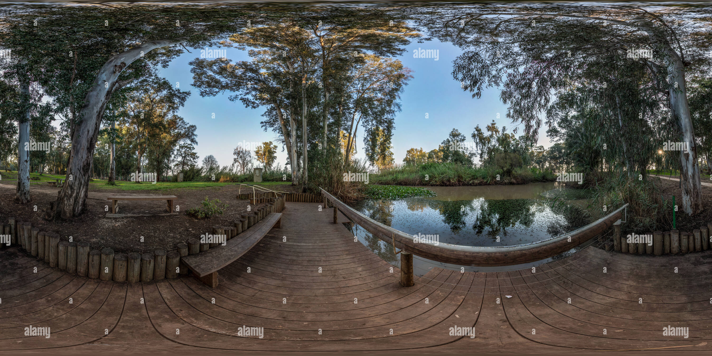 Vista panorámica en 360 grados de El parque nacional de yarkon
