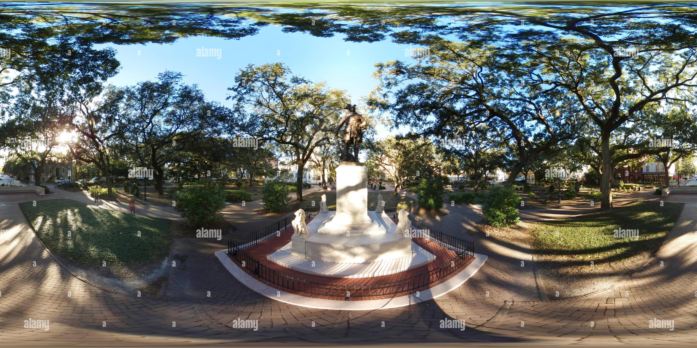 Vista panorámica en 360 grados de James Oglethorpe Monumento, Chippewa Square en Savannah, Georgia