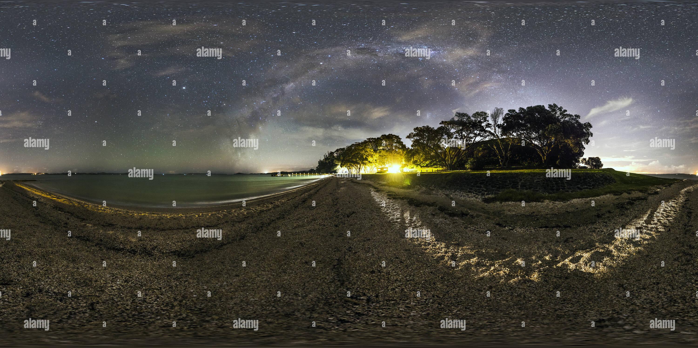 Vista panorámica en 360 grados de Vía Láctea más Magazine Bay, Auckland.