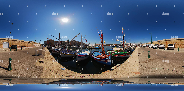 Saint-Tropez, les bateaux des pécheurs Imagen De Stock