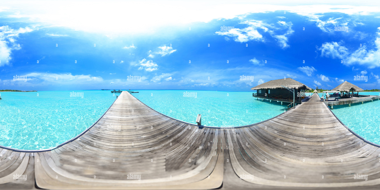 El Taj Exotica Resort &Amp; Spa Bienvenido Embarcadero en Maldivas Imagen De Stock