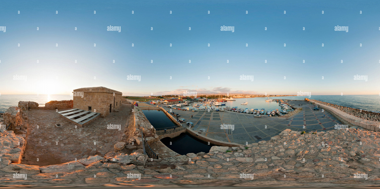 0027 Paphos Paphos techo Castillo 18 12 2011 Imagen De Stock
