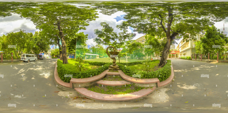 140809 150355 y 1003mg2más Panorama Hstrip Equi Wm tocado Imagen De Stock