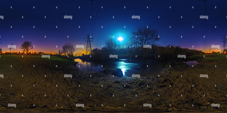 Río Biam bajo la luz de la luna Imagen De Stock