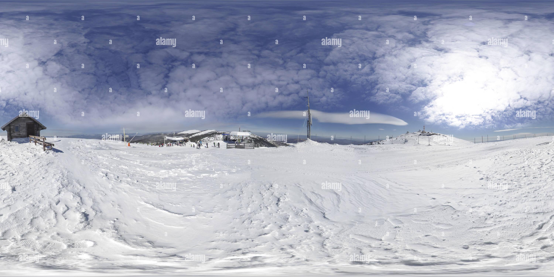 Pistas de esquí de Panchichev pico en invierno, Kopaonik Imagen De Stock