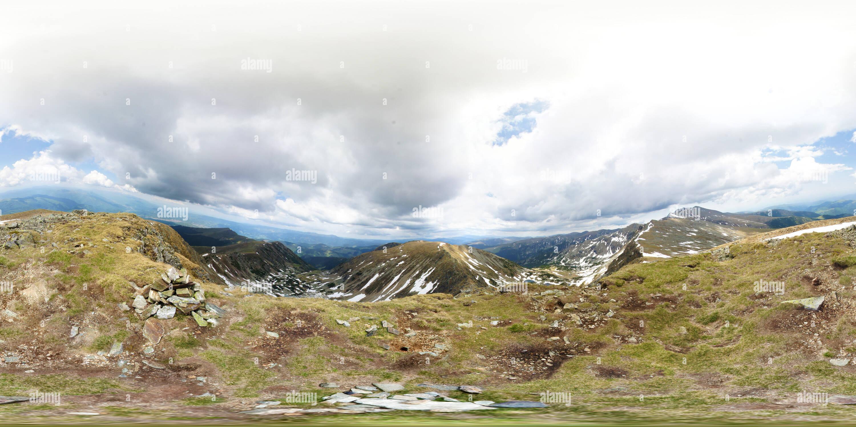 Pico, montañas Parang Carja, Rumania Imagen De Stock