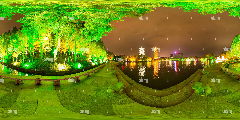 Escena nocturna en el lago Shahu,GUILIN Imagen De Stock