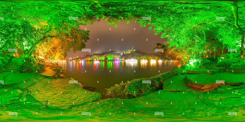 Escena nocturna en el lago Guihu,GUILIN Imagen De Stock
