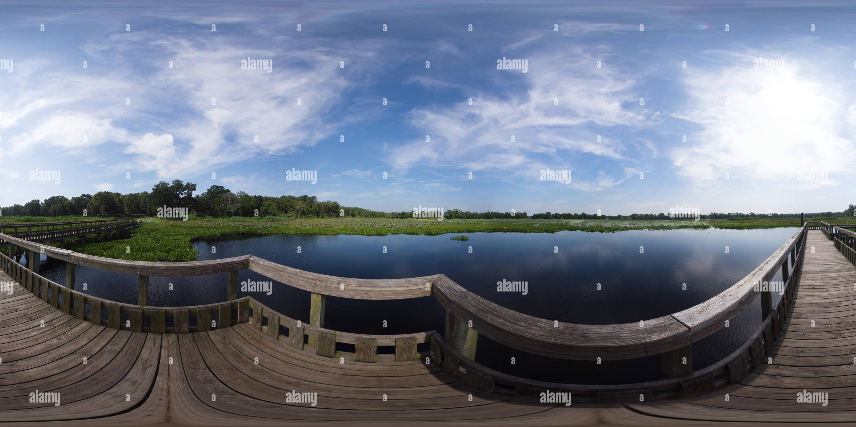 Muelle de Pesca en el lago Imagen De Stock