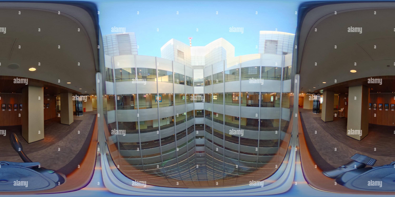 El edificio wellhole de Shinjuku Sumitomo Imagen De Stock