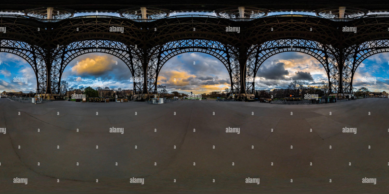 Sótano de la Torre Eiffel - Tour Eiffel - París - Francia Imagen De Stock