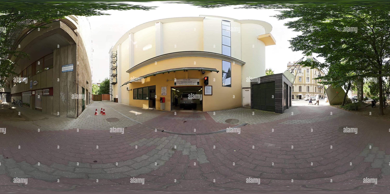 Szeged Parking house - entrada Imagen De Stock