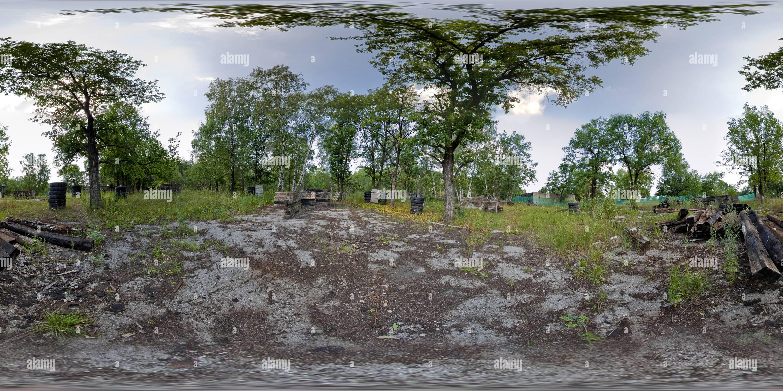 """La gama """"Paintball Lesnaya Skazka' - Área de Formación Imagen De Stock"""