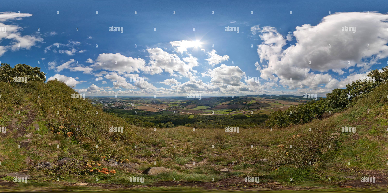 Vista sobre Montes Centrales de Bohemia Imagen De Stock