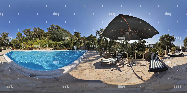 Una piscina - Gassin Imagen De Stock