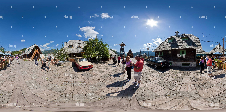 Ciudad de madera Mecavnik, Mogra Gora Imagen De Stock