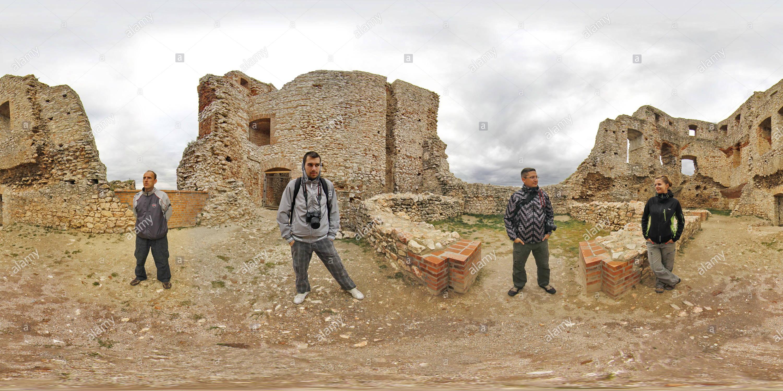 Csesznek castillo en el oeste de Hungría Bakony montañas Imagen De Stock