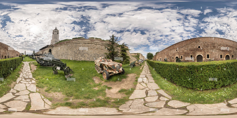 El Museo Militar de Belgrado exposición exterior Imagen De Stock