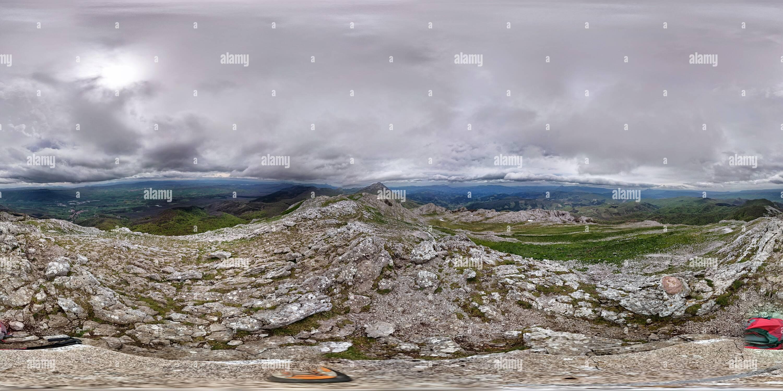 Vue panoramique à 360° de Monte Aratz.