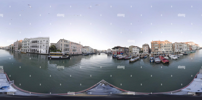 Vue panoramique à 360° de Canal Grande 038