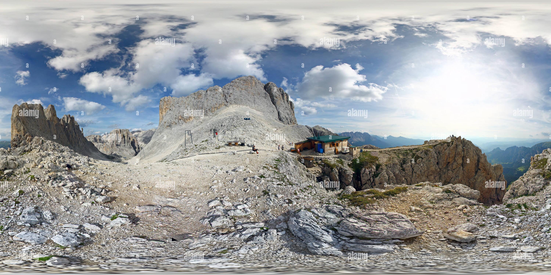 Vue panoramique à 360° de Dolomites: Santnerpass Santnerpass, hut, Rosengarten, le 'Gartl'