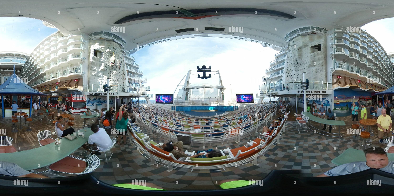 Oasis of the Seas Aqua Theatre Photo Stock