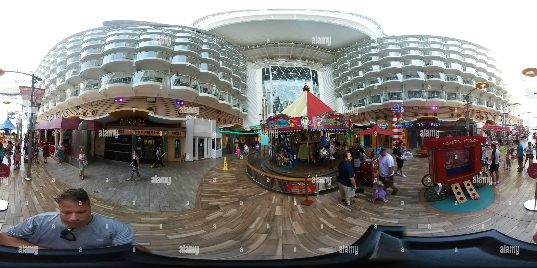 Oasis of the Seas Voir Carrousel Pont 6 Photo Stock