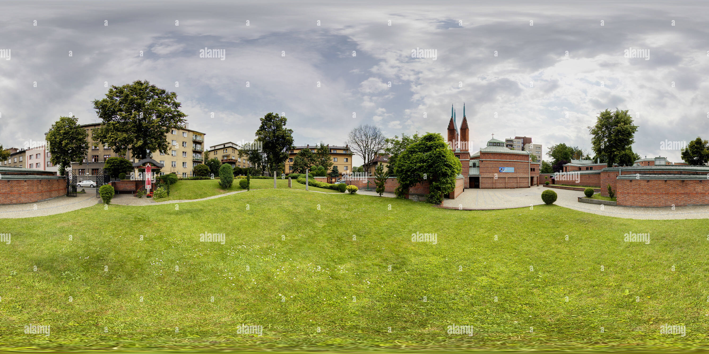 Parafia pw. Bozego Milosierdzia w Krakowie - os. Oficerskie - na trawie Photo Stock