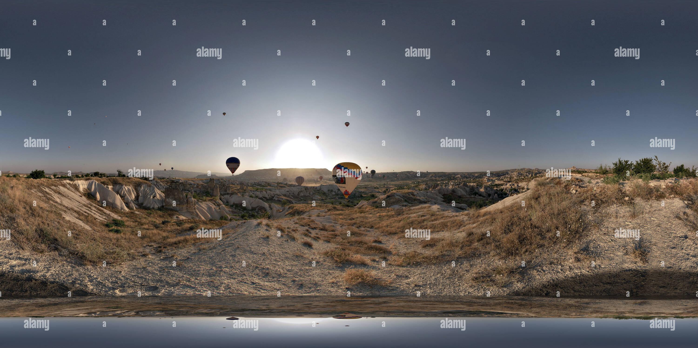 Göreme, montgolfières à l'aube Photo Stock
