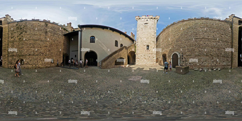 Sirmione - cour intérieure du château Photo Stock