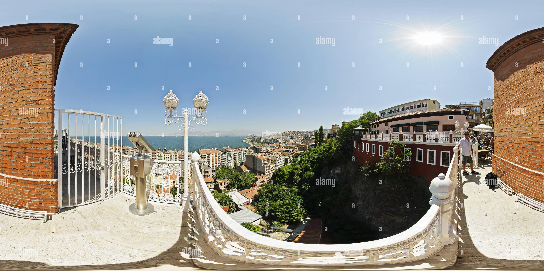 Izmir - vue panoramique de l'ascenseur historique (Asansör) Photo Stock
