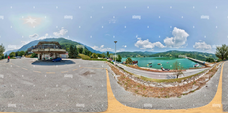 Pogled more na branu, Perućac Photo Stock