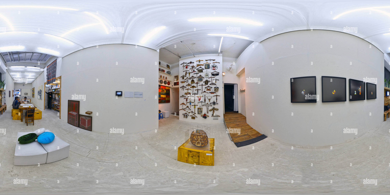 Mostra Coletiva Ação 03 Travail Cor - Caza Arte Contemporânea - Cosmocopa Photo Stock