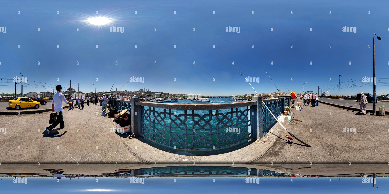 À partir de la pêche le pont de Galata Photo Stock