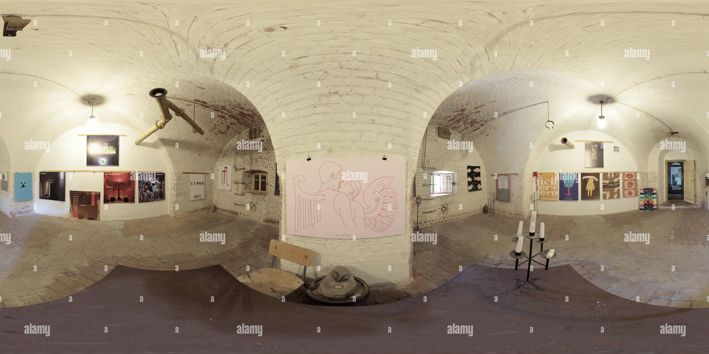 Swinoujscie, Fort Aniola -Engelsburg , Exposition d'affiches -Maria Milenko Photo Stock