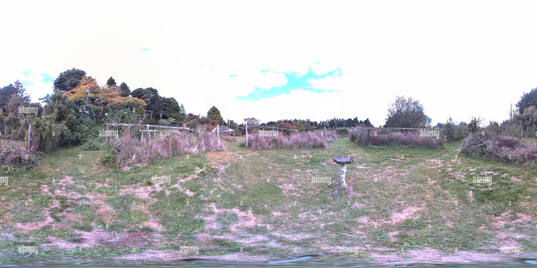 Old Orchard bain d'oiseaux Photo Stock