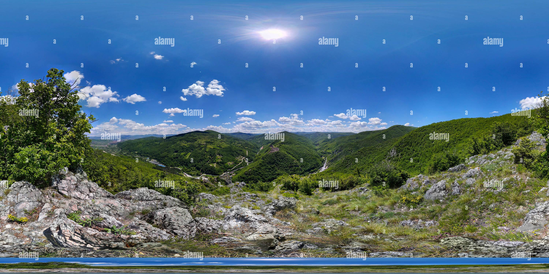 Vue de l'Arsa. Ancienne forteresse illyrienne. Le Sandjak. Novi Pazar. 25.05.2019. Photo Stock