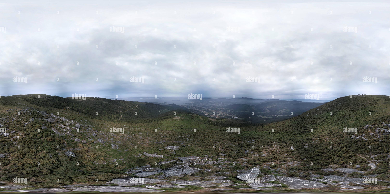 Vue du mont da Groba donne à l'entrée de Baiona Photo Stock