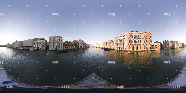 Visualizzazione panoramica a 360 gradi di Canal Grande 086
