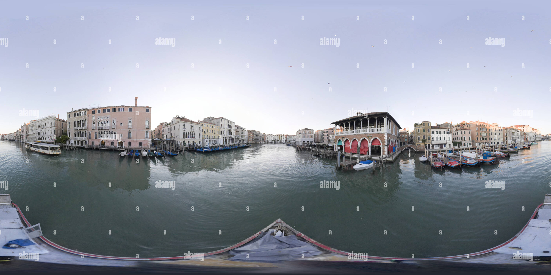 Visualizzazione panoramica a 360 gradi di Canal Grande 041