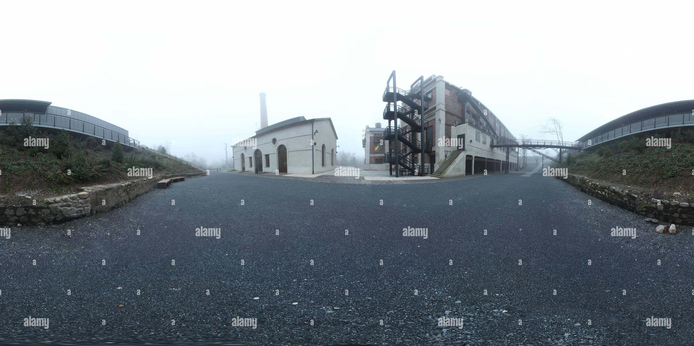 Museo Nacional de la Energía entre la niebla Immagini Stock