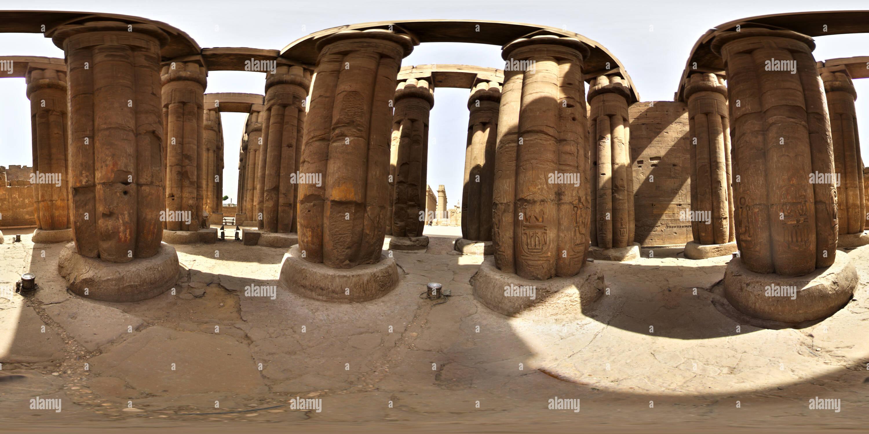 Tempio di Luxor - colonna centrale hall Immagini Stock