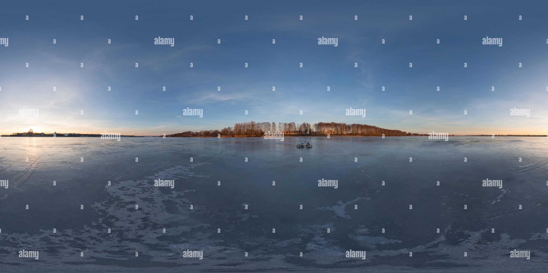 Inverno sul fiume Volga, nella città Yaroslavl Immagini Stock
